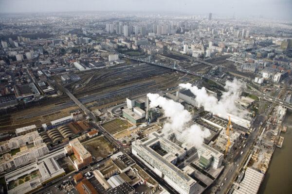 L'usine de traitement des déchets ménagers d'Ivry-Sur-Seine, haut-lieu de mutations. © Stefan Shankland / MMM