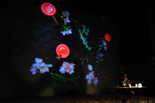 Felix Blume présente l'installation